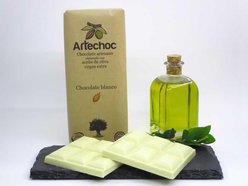 Tableta de chocolate blanco artesano con aceite de oliva virgen extra (AOVE). Sin gluten. Artechoc. Baeza, Jaén