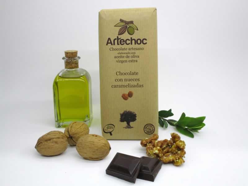 Artechoc. Chocolate negro puro artesano elaborado con aceite de oliva virgen extra (AOVE) y nueces caramelizadas