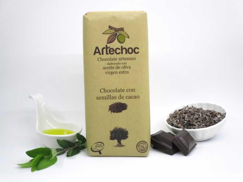 Chocolate artesanal con aceite de oliva virgen extra (AOVE) y semillas de cacao. sin gluten