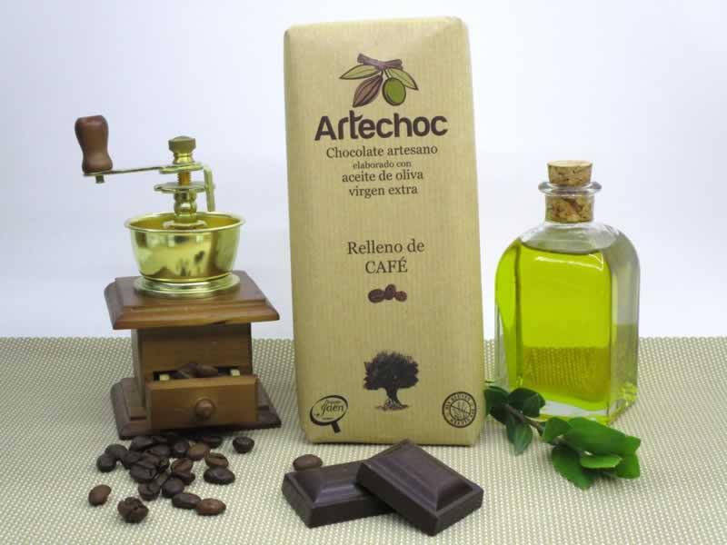 Chocolate negro artesano con aceite de oliva virgen extra (AOVE) relleno de crema de café. Sin gluten. Artechoc
